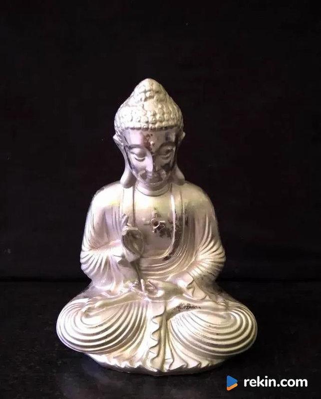 UNIKAT !!! Ceramiczny Budda ze swastyką na piersi.