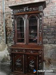 *Neorenesansowa, myśliwska witryna, biblioteka* transport
