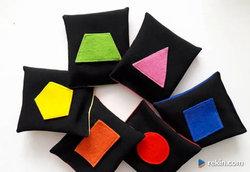 woreczki sensoryczne figury geometryczne kształty faktura